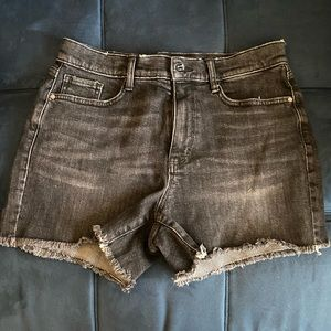 New High rise shortie short size 6